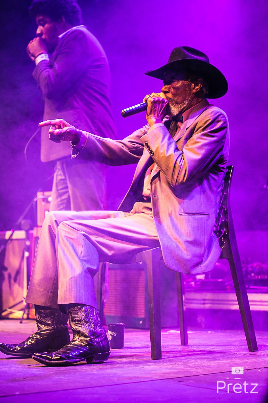 O bluesman Tail Dragger
